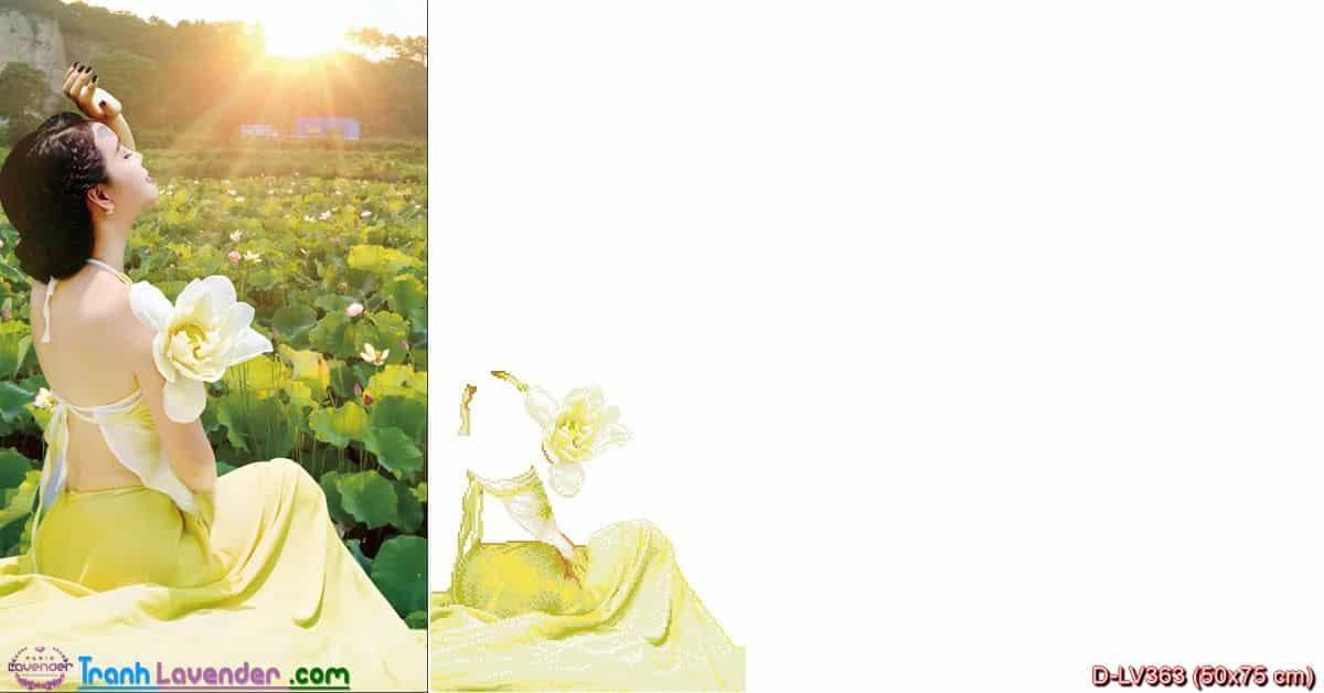 Tranh đính đá Thiếu Nữ bên hoa Sen LV363, kích thước 50x75 cm